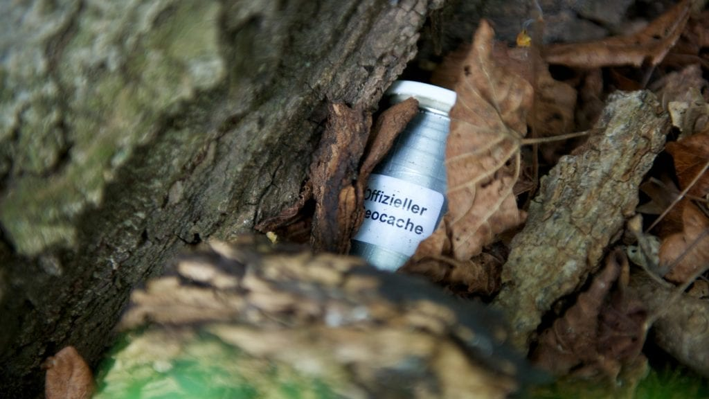 how to begin geocaching with the family