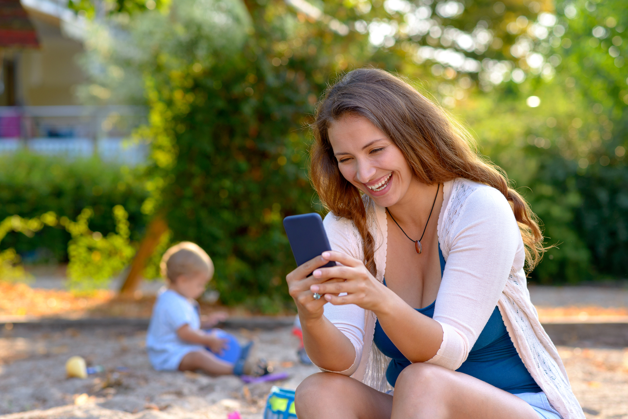 Is Your Cell Phone Use Hurting Your Kid? - Parentology