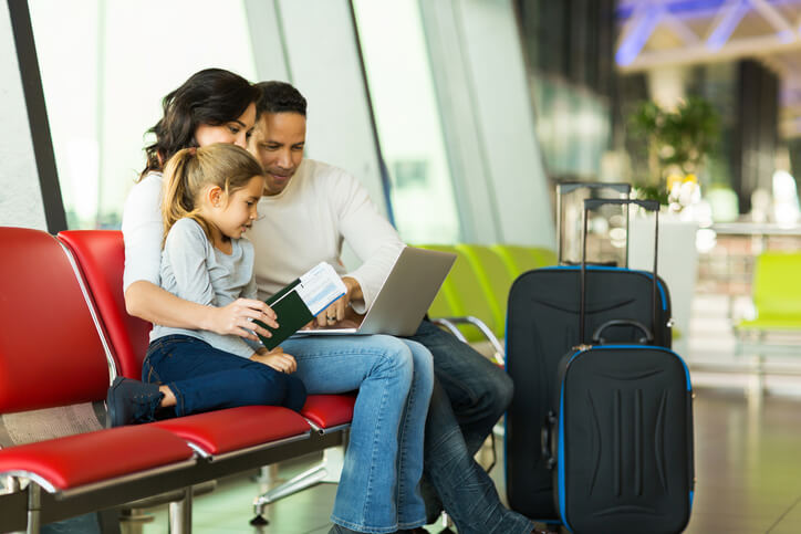 Holiday Travel Tips That'll Save Your Budget - Parentology