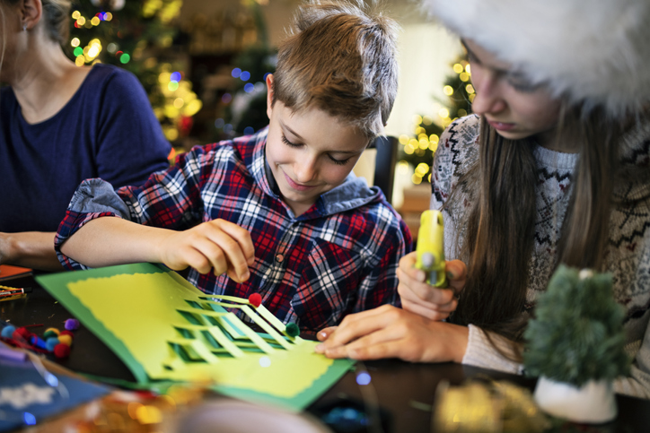 outschool holiday classes